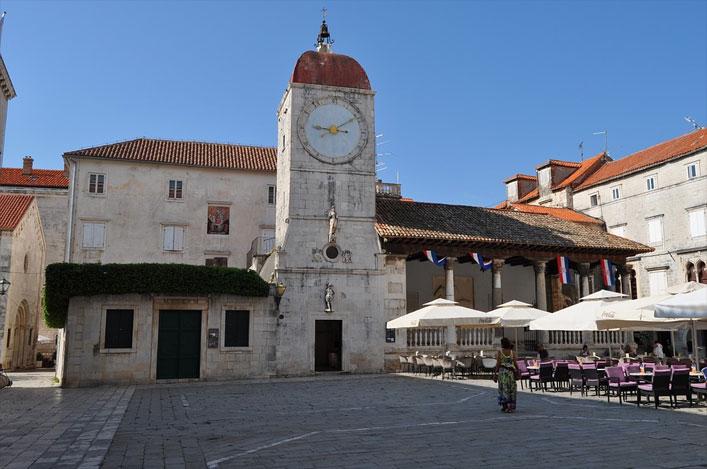 Uhrturm in Trogir, Dalmatien